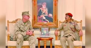 رئيس الأركان يستقبل قائد المشاة البحرية الأميركية بالقيادة الوسطى