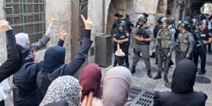 عشرات المستوطنين يقتحمون الأقصى ودعوات لحشد فلسطيني لمواجهة تهديات أعضاء (الكنيست)