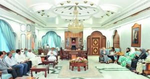 محافظ ظفار يستقبل رئيس وأعضاء المركز العربي للإعلام السياحي