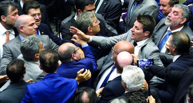 الكونجرس البرازيلي يرفض محاكمة الرئيس تامر