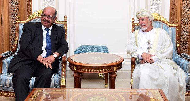 وزير الشؤون الخارجية الجزائري يصل السلطنة