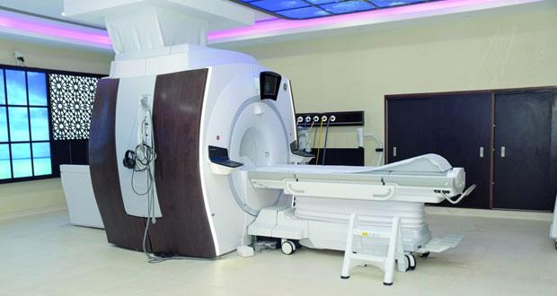 افتتاح وحدة الرنين المغناطيسي بمستشفى خولة بتمويل من تنمية نفط عمان