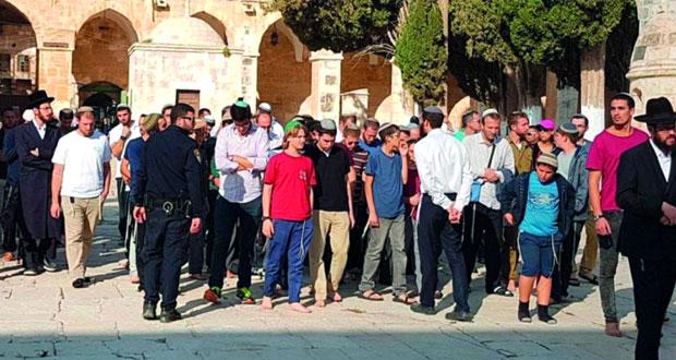 عشرات المستوطنين يدنسون (الأقصى) وسط تعزيزات إسرائيلية مشددة