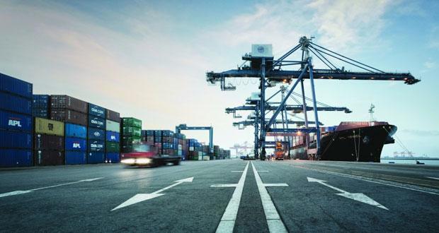 بقيمة استثمارية تبلغ 600 مليون دولار .. ميناء صحار يوقع اتفاقية إنشاء محطة تخزين نفط