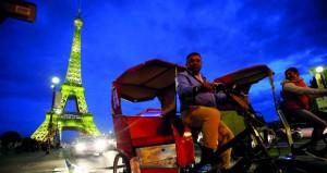 باريس تحتفل بالزائر رقم 300 مليون لبرج إيفل منذ افتتاحه