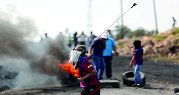 الاحتلال يقمع مسيرات الضفة السلمية ويشدد إجراءاته بالقدس المحتلة