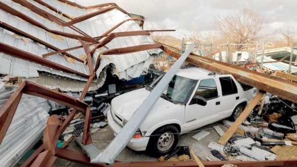 (ماريا) يتحول لإعصار مجددا .. وتوقعات بانخفاض معدل النمو الأميركي جراء الكوارث المناخية
