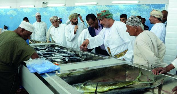 بدء التشغيل التجريبي لسوق الأسماك الجديد بمطرح
