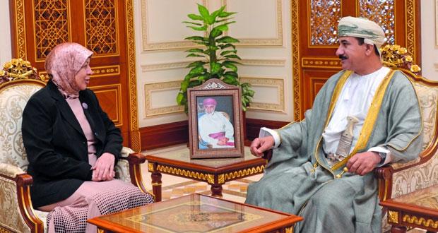 وزير المكتب السلطاني يستقبل السفيرة العراقية