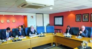 بحث التعاون بين السلطنة وجنوب أفريقيا في مجالات التعليم العالي
