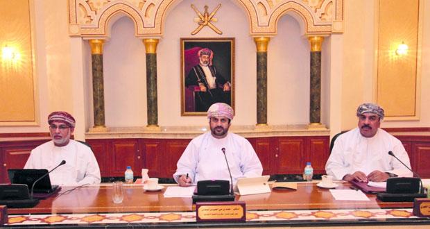 قانونية بلدي مسقط تبحث آلية تسهيل إجراءات المخالفات البلدية