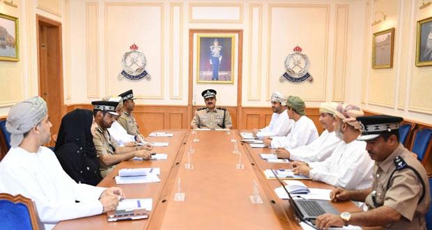 اللجنة الرئيسية لمسابقة السلامة المرورية الثالثة تناقش جدول زيارتها لتقييم الولايات المتأهلة