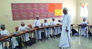 وكيل التربية للتخطيط التربوي يزور مدارس شمال الباطنة