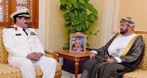 بحث التعاون الثنائي بين السلطنة والسعودية في المجالات العسكرية