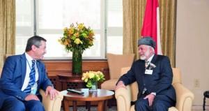 ابن علوي يبحث تعزيز العلاقات مع وزير خارجية شمال قبرص والرئيس والمدير التنفيذي للجنة الإنقاذ الدولية
