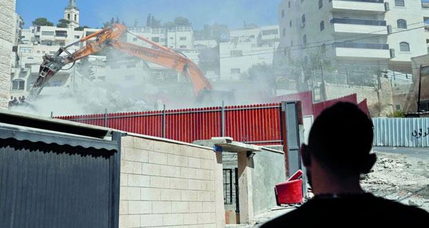 جرافات الاحتلال تواصل الهدم في القدس المحتلة