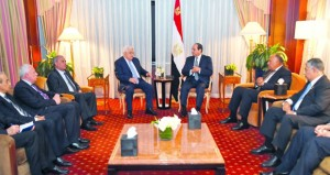 عباس يبحث مع أبو الغيط وهنية تطورات القضية الفلسطينية و(المصالحة)