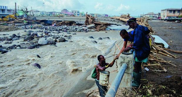 (الإعصار ماريا) : تحذير من انهيار وشيك لسد بويرتوريكو جراء الفيضانات
