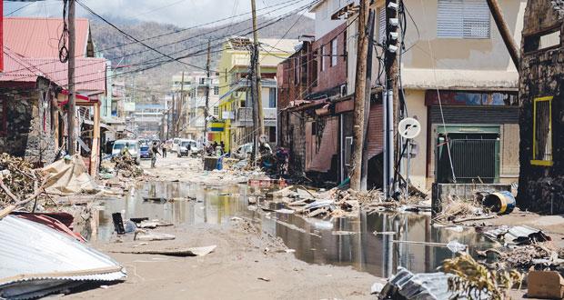 (ماريا) يدمر عشرات المباني بالدومنيكان ومخاوف من انهيار سد بورتوريكو