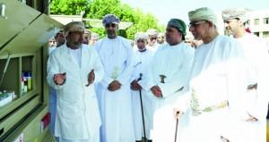 تدشين المرحلة الثانية من مشروع العيادات البيطرية المتنقلة بتكلفة 304 آلاف ريال عماني