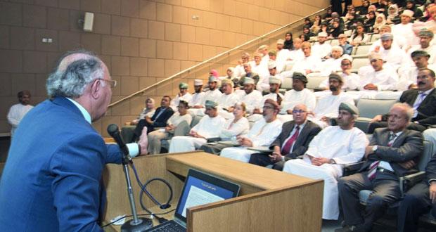 """محاضرة حول """"علم الأديان ومكوناته""""بجامعة السلطان قابوس"""