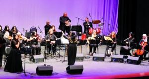 لوحة موسيقية استثنائية بأنامل المجموعة النسائية الكويتية