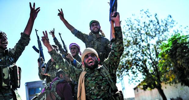 الجيش السوري يتابع تقدمه بدير الزور .. و(قسد) تعلن السيطرة على الرقة بالكامل