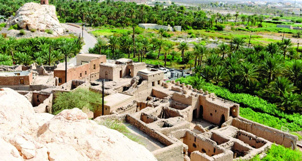 الحارة القديمة بقلعة العوامر تروي تفاصيل الزمن الماضي بتنوع آثاره وجمال بنائه