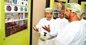 وزير ديوان البلاط السلطاني يفتتح مركز المعلومات بمتنزه سمهرم الأثري بمحافظة ظفار