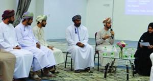مقهى الأدب بالجامعة العربية المفتوحة يستضيف يوسف الكمالي في أولى جلساته