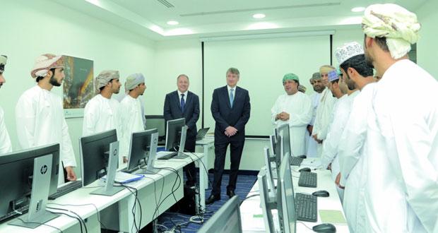 «تنمية نفط عمان» تدعم برنامجا لتدريب 50 خريجا للدخول بسوق العمل