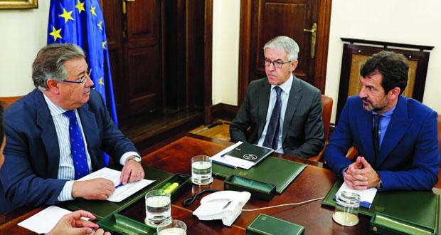 إسبانيا: رئيس كاتالونيا المقال يصل إلى بروكسل والمدعي العام يتهمه بالتمرد