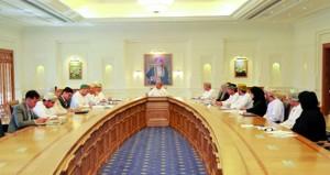 اللجنة الإشرافية لسوق العمل تبحث تطور القوى العاملة في اللوجستيات والسياحة والصناعة