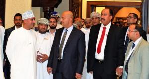 بحث فرص تعزيز التبادل التجاري بين السلطنة والجزائر
