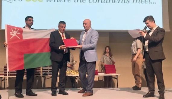 شـؤون البلاط السلطاني يحصل عــلى الميدالية الذهبية في المؤتمر الـ 45 الدولي لتربية النحل بتركيا