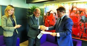 اتفاقية شراكة بين معهد العالم العربي بباريس وجائزة الملك فيصل العالمية