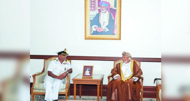 نائب محافـظ مسـقط يستقبل قائد سفينة عسكرية هندية