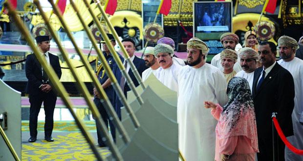 """أسعد بن طارق يزور متحف """"رويال ريجاليا"""" في بروناي دار السلام"""