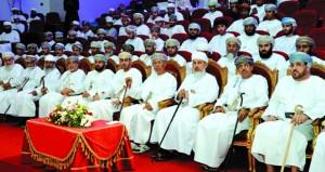 مستشار جلالة السلطان للشؤون الثقافية يرعى انطلاق حملة وطني أخلاق وأعراف