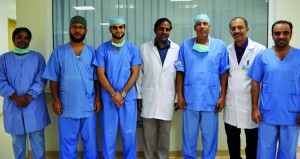 مستشفى نزوى ينجح ولأول مرة بإجراء عمليتين جراحيتين في تخصص جراحة المخ والأعصاب