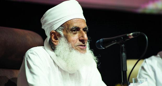 المفتي العام للسلطنة: على المسلم أن يتجنب الإلحاد بالاستبصار ببصيرة القرآن والنظر في آيات الله