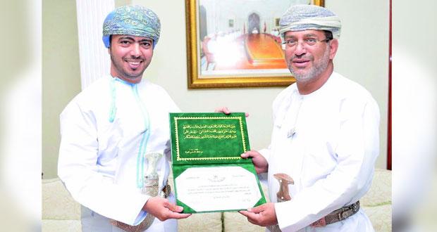 """المدعي العام يكرم مؤسسي شبكتي """"عمان القانونية"""" و""""روح القانون"""""""