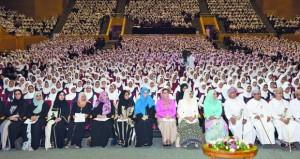 بدء فعاليات اليوم التوعوي لمرض سرطان الثدي بجامعة السلطان قابوس