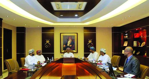 لجنة التسويق الرياضي باللجنة الأولمبية العمانية تعقد اجتماعها الأول لهذا العام