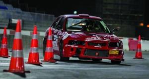 نبيل الشيباني يخطف صدارة الجولة الأولى من بطولة عُمان لسباقات السرعة