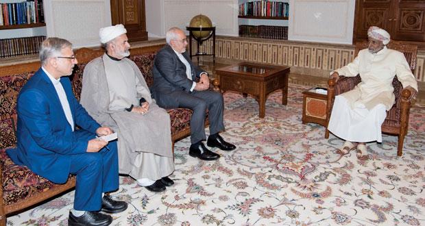 جلالة السلطان يستعرض مع وزير الخارجية الإيراني مستجدات الأحداث الإقليمية والدولية