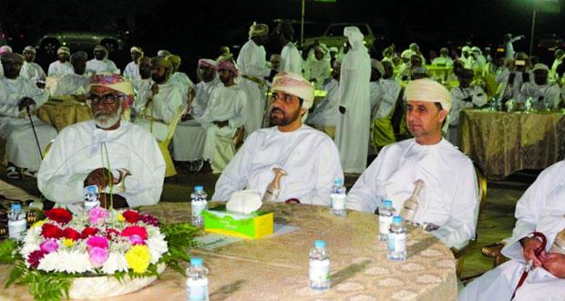 الشعراء يتغنون بحب عمان والسلطان في ليلة وطنية بضنك