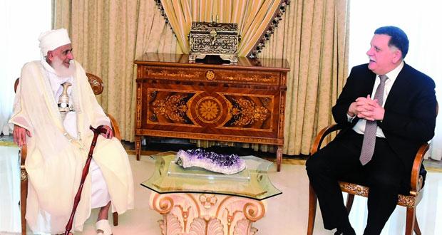 رئيس المجلس الرئاسي لحكومة الوفاق الوطني الليبي يستقبل المفتي العام للسلطنة