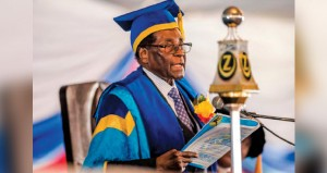 زيمبابوي: ظهور علني للرئيس ونائبه السابق يعود واعتقالات لمقربين
