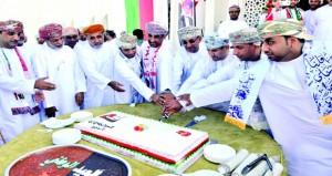 تواصل الاحتفالات بمناسبة العيد الوطني الـ 47 المجيد بمختلف محافظات السلطنة